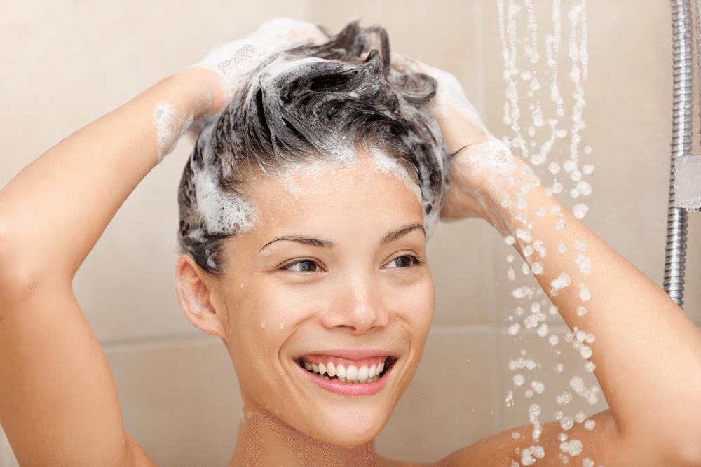 שמפו ומרכך – האם להשתמש על בסיס יומי?